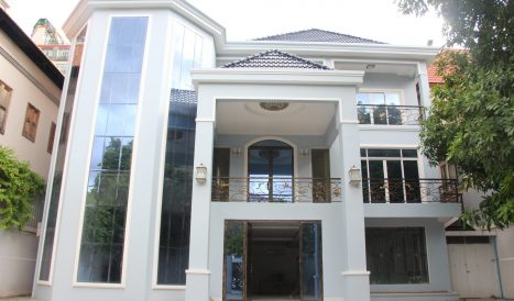 10 Bedrooms commercial villa for rent in BKK1