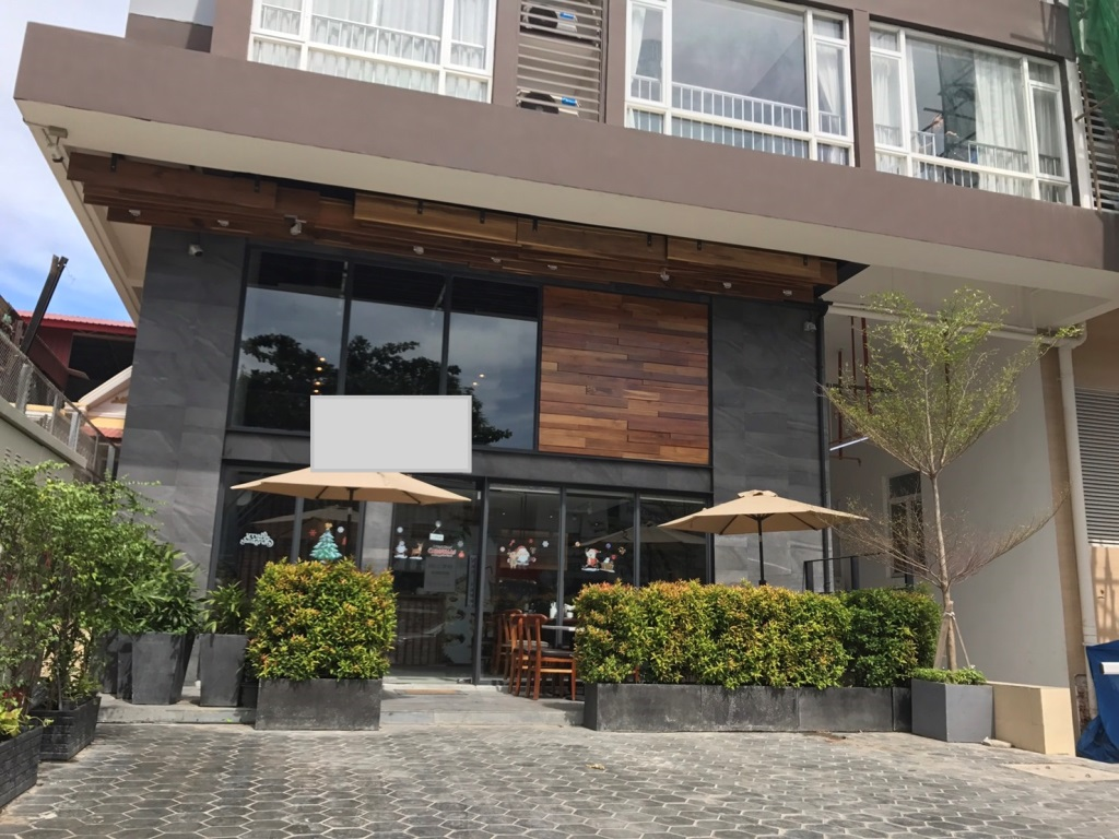 Daun Penh | Ground Floor Commercial Property in Condominium