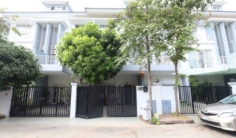 4 Bedrooms Twin Villa For Rent in Borey Peng Hout Beoung Snor