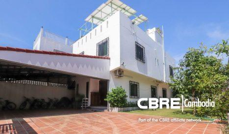 Custom-Built 3Bedroom Townhouse for Sale in Chorm Chao